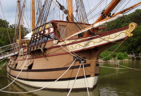 Photo of replica of the Susan Constant sailing ship that brought English settlers to Jamestown Virginia in 1607.  Jamestown was the first English settlement in north America.  The voyage from England to Jamestown took 4 months.